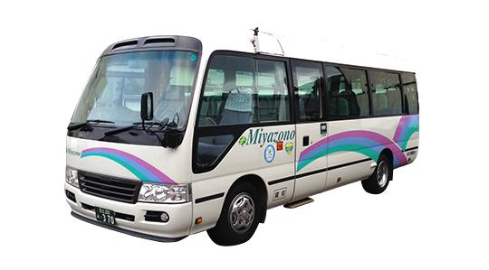 少人数でのご旅行にはリーズナブルな観光バス・ハイヤー手配 バリアフリー旅行の東京ナイストラベルのマイクロ観光バスが活躍しています。車輌後部を荷物スペースとして確保出来る車輌もございます。