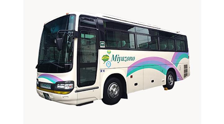 大型観光バスほどの席数が必要でない時に、経済性と快適性を両立できる観光バス・ハイヤー手配 バリアフリー旅行の東京ナイストラベルの中型観光バスが最適です。